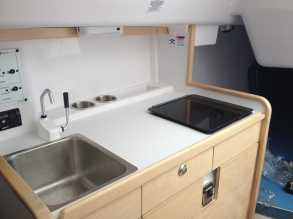 C275-galley with fresh water and stove