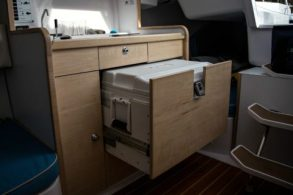 C275-pull out and removable esky